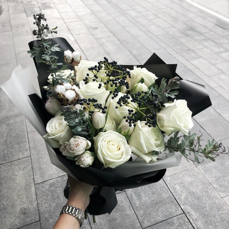 Модные букеты из роз 2018, цветы подснежники доставка